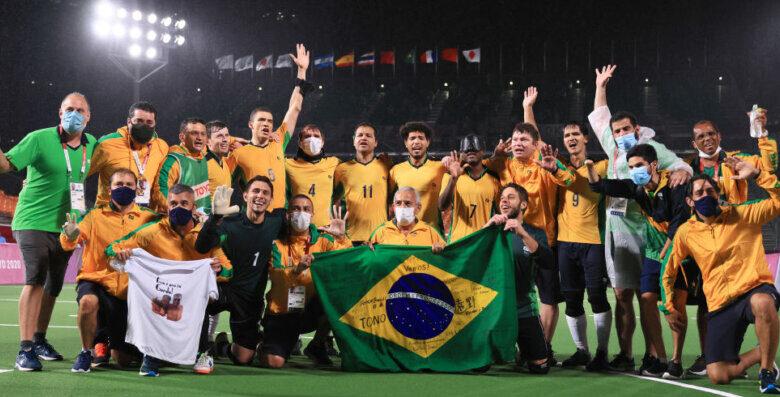 É penta! Futebol de 5 do Brasil vence Argentina em Tóquio (Foto: Buda Mendes/Getty Images)